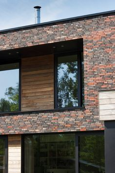 MAVE 11 / WORTEL | LV Architecten Modern Window Design, Modern Windows, Modern House Design, Modern Brick House, Brick Houses, Brick Facade, Brick Works, Exterior, Places