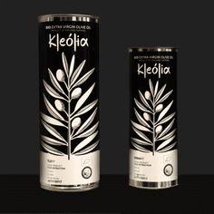 Ο ελαιόκαρπος είναι μια οικογενειακή επιχείρηση. Ο 63 στρεμμάτων ελαιώνας βρίσκεται πάνω στην ακτογραμμή της Αυλίδας στην Εύβοια. Η περισυλλογή της ελιάς γίνεται με το χέρι και στη συνέχεια η συγκομιδή προχωρά άμεσα στο ελαιοτριβείο. Το Kleolia και Kleolia Silver, είναι δύο, ψυχρής έκθλιψης, εξαιρετικά παρθένα ελαιόλαδα. Παράγονται αποκλειστικά με φυσικές τεχνικές και διαθέτουν την …