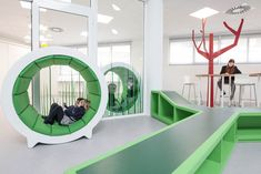 Liceo Europa in Zaragoza opens the doors to a new and innovative learning environment in a preschool designed by Rosan Bosch Studio | rosanbosch.com