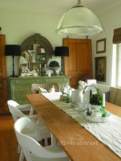 Eclectic Home Tour at eclecticallyvintage.com