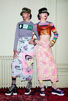 Miuccia Prada continua investindo na roupa de balada pras suas coleções de pré primavera-verão da Miu Miu.