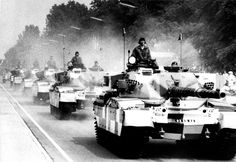 / King's Royal Hussars, Allied Forces Day parade, Berlin Military Photos, Military History, Patton Tank, The Centurions, British Armed Forces, Berlin Wall, Armored Vehicles, British Army, Cold War