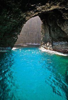 Kauai Open-Ceiling Cave, Hawaii