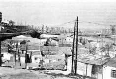 Chabolas y chozas en el límite de La Ventilla con Valdeacederas en los años setenta, al final de la calle de Pinos Alta, con el Barrio del Pilar de fondo