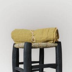 Rideau en voile de lin naturel disponibles sur http://www.comptoir-des-teintures.fr/5-linge-de-maison #rideau #voile #lin #naturel #lingedemaison #jaune #madras #curry #moutarde