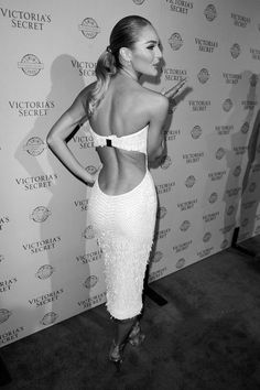 why do i love backless dresses so? (but never worn one in my LIFE)