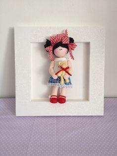 cuadro infantil decorativo con muñequita de porcelana en frio