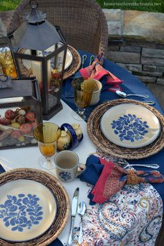 Alfresco transitonal table with Pfaltzgraff Folk Art dinnerware | homeiswheretheboatis.net