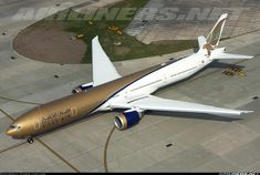 Jet Airlines, Jet Airways, Middle East Airlines, Fuel Truck, Luxury Jets, Airline Logo, Air Fighter, Boeing 777, Civil Aviation