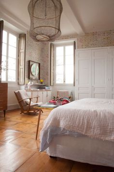 The Socialite Family | Chez Marine Palayer #deco #interieur #decoration #design #interior #bastide #famille #family #house #home #bedroom #chambre #lit #pink #rose #pastel #lyon #thesocialitefamily