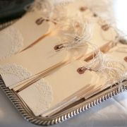 So simple and pretty: tags + paper doilies