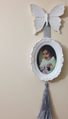 . Disney Diy Crafts, Diy And Crafts, Shabby Chic Porch, Cold Porcelain Flowers, Kit Bebe, Baby Frame, Decoupage Furniture, Photo Corners, Clay Ornaments