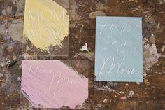 Oh so delicate.  Ganz speziell für die beste Mama der Welt.  Unsere fineart Acrylkarten in 3 bezaubernden Versionen werden aus glasklarem Acryl gefertigt .  Wunderschöne & zeitlose Designs, graviert in 3mm Acrylglas sind ein garantierter Hingucker.  Der Clou? Deine Karte wird mit 2 kleinen Acrylglas Stehern versendet und kann dann perfektals Deko aufgestellt werden.  Die Karte kommt m... Beste Mama, Designs, Fine Art, Pastel Colors, Light Rose, Mother's Day, World, Cards, Nice Asses