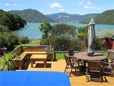 Wakaretu Bay, New Zealand