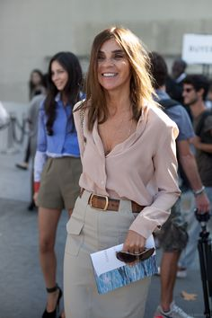 the epitome of classic chic. Carine working neutrals in Paris. #CarineRoitfeld