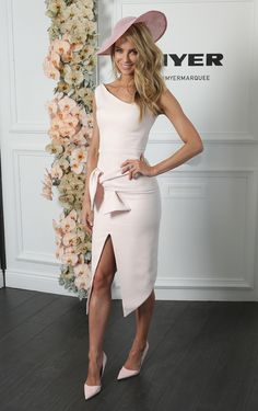 Melbourne Cup - Spring Racing Carnival Fashion - WHAT TO WEAR TO THE RACES                                                                                                                                                     More
