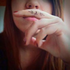 15 Tatuajes diminutos en los dedos que toda chica desearía tener ¡Geniales!   Difundir.ORG