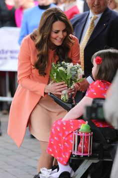 Kate Middleton Photo - Kate Middleton Visits a Childrens Hospital