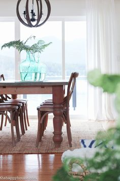 Because some of the best moments are spent at the dining table, we choose some for you to get inspired by!