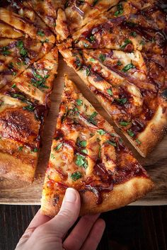 """Pizza Can Be Healthy! - Barbecue Chicken with Homemade """"Sweet Baby Ray's"""" Sauce: gotta learn to make this for my man. he loves rosattis bbq chicken pizza Think Food, I Love Food, Good Food, Yummy Food, Pizza Facil, Barbecue Chicken Pizza, Spicy Pizza, Bacon Pizza, Grilled Pizza"""