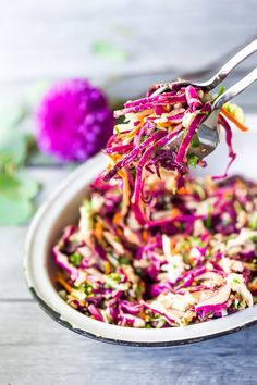 Easy Crunchy Asian Slaw ( with the BEST Asian Dressing!) Easy Crunchy Asian Slaw- a simple vegan slaw with the BEST SLAW DRESSING EVER that can be made ahead! Serve this alongside fish, tofu, or chicken or stuffed into tacos, topped onto burgers, or added Asian Coleslaw, Asian Slaw Salad, Crunchy Asian Salad, Clean Eating Recipes, Easy Healthy Recipes, Vegetarian Recipes, Healthy Sauces, Healthy Eating, Coleslaw