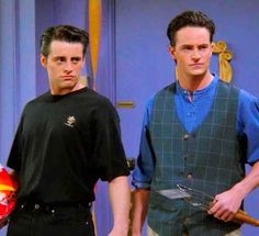 27 reasons FRIENDS is woefully outdated, but doesn't change the fact that we love it!