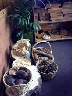 Providing an indoor space filled entirely with natural objects will allow the children to expand their imaginations and creative play abilities. New objects can be added as the changing seasons make them available to continuously provide new e Reggio Inspired Classrooms, Reggio Classroom, Classroom Ideas, Block Center, Block Area, Childcare Environments, Natural Play Spaces, Preschool Rooms, Preschool Centers