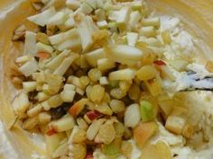 Jak upéct vídeňskou jablkovou bábovku   recept – magnilo Fried Rice, Fries, Vegetables, Ethnic Recipes, Food, Essen, Vegetable Recipes, Meals, Nasi Goreng