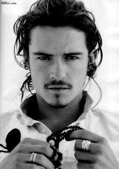Orlando Bloom. Good looking pirate