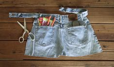 Make a garden apron from jeans. No sewing!