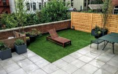 Rooftop garden with porcelain pavers and artificial turf. Lightweight planters and cedar fencing for privacy. Courtyard Landscaping, Garden Maintenance, Artificial Turf, Cedar Fence, Landscape Design, Brooklyn, Outdoor Decor, Outdoor Ideas, Planters