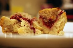 Lemon Raspberry muffins with a delicate lemon flavour and a tart raspberry filling.