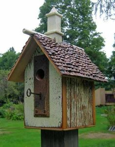 vogelhaus selber bauen holz umweltfreundlich schlüssel