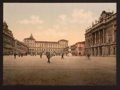 Torino - Piazza Castello, Palazzo Reale e Palazzo Madama. Vintage postcard.
