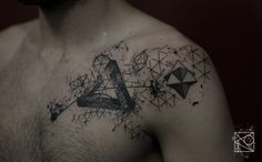 Photo de tatouage: Pyramide categorie Géométric Triangle/géométrie