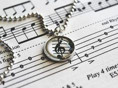 My lovely friend @annamikkila has made a hell lot of beautiful jewellery. I couldn't help buying this cute #handmade clef #necklace.  #metallica #thecallofktulu #metal #music #sheetmusic #jewellery #beautiful #canon #photo #instaphoto #photooftheday #potd #musiikki by iinaelenaa