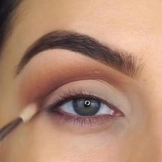 #EyelinerTutorial Makeup Eye Looks, Beautiful Eye Makeup, Eyeshadow Looks, Small Eyes Makeup, Cat Eye Makeup, Makeup Trends, Makeup Inspo, Makeup Inspiration, Makeup Tips