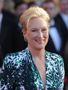 Bold Colors, Bold Patterns and Jewel Tones make Meryl Streep Boldly Simple #DressYourAge