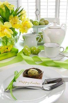 Decorating a table for Easter. Here is a beautiful selection of 20 creative ideas to decorate a table for Easter! Be inspired… Have fun and enjoy yourself. Easter Table Settings, Easter Table Decorations, Easter Decor, Easter Centerpiece, Easter Ideas, Centerpiece Ideas, Easter Crafts, Spring Decorations, Easter Recipes