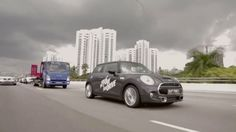 Mini Partners With a Towing Company to Give Test Drives to Stranded Motorists