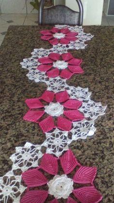 How to Make Crochet Look Like Knitting (the Waistcoat Stitch) Free Crochet Doily Patterns, Crochet Diagram, Crochet Chart, Crochet Designs, Crochet Stitches, Crochet Table Runner, Crochet Tablecloth, Crochet Dollies, Crochet Flowers