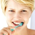 How to Whiten Your Teeth With Homemade Products