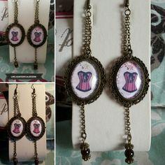 Boucles d'oreilles rétro vintage thème corset avec perles Grenat  Les Reliques Décalées de Melinda