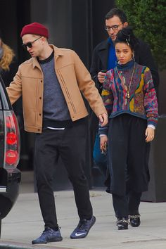 Robert Pattinson opens the car door for girlfriend FKA twigs because he's sweet like that. Celebrity Couples, Celebrity Style, Robert Pattinson Fka Twigs, Interacial Couples, Hollywood Gossip, Stylish Couple, Celebs, Celebrities, New Pictures