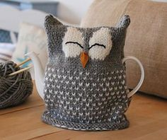 Sleepy Owl Tea Cozy! A very simple and easy to follow pattern - download it from LoveKnitting!