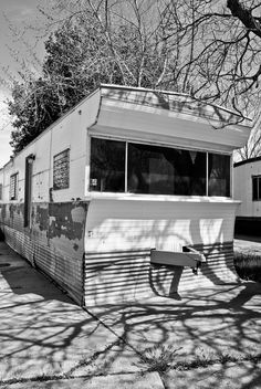 Vintage mobile home ... I recall living in one like this as a child.