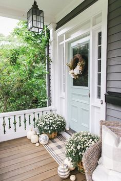 Ideas Farmhouse Front Door Color Southern Living For 2019 Front Door Colors, Front Door Decor, Paint Front Doors, Blue Front Doors, Exterior Colors, Exterior Paint, Exterior Design, Door Design, House Design