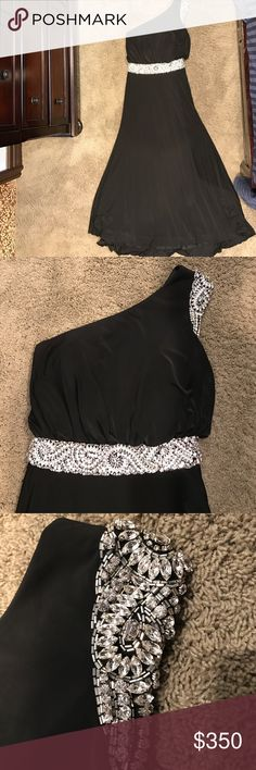 Jovani one shoulder crystal beading dress Jovani one shoulder black gown . The top is one shoulder with a cap crystal sleeve. Crystal beading around the waist. Almost like brand new. Stunning. Dresses Prom