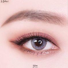 Save = Follow # Tịnh Kỳ. * Don't save free ok ! #KoreanMakeupEyeshadow Soft Eye Makeup, Asian Eye Makeup, Peach Makeup, Eyeshadow Makeup, Natural Makeup, Simple Makeup, Korean Makeup Tips, Korean Makeup Tutorials, Beauty Makeup Tips