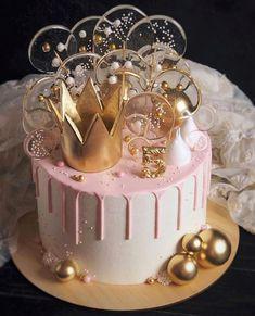 Candy Birthday Cakes, Elegant Birthday Cakes, Beautiful Birthday Cakes, Birthday Cake Girls, Birthday Cake Crown, Princess Birthday, 1st Birthday Cake Designs, 21st Birthday Cake For Girls, 30th Birthday Themes